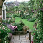 6-country-style-garden-ideas